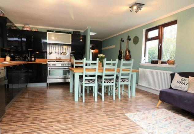 Dining/Kitchen...
