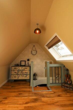 Loft Room/Top ...