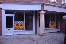 property to rent in 6 Kings Walk Shopping Arcade