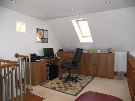 GALLERIED OFFICE ARE