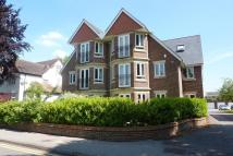 Flat to rent in Sturges Road, Wokingham...
