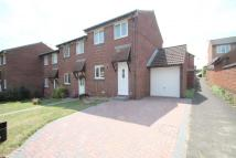 3 bedroom End of Terrace property in Humber Close, Wokingham...