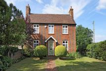 4 bed Detached property in Swallowfield Road...