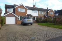 4 bedroom semi detached property to rent in Woosehill Lane...