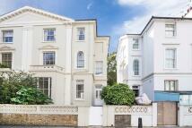 Regents Park Road house to rent