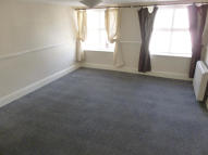 Flat to rent in Neville Street...