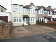 4 bed semi detached house in Anthony Road, Welling...
