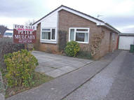 2 bed Detached Bungalow in CRAIG HIR, Radyr...