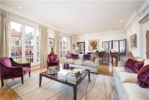 3 bed Flat for sale in Green Street, London, W1K