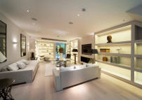 5 bed Terraced property for sale in South End, London, W8