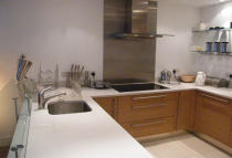 2 bedroom Apartment to rent in Queenstown Road, London...