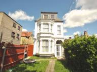Ground Flat to rent in Nether Street...