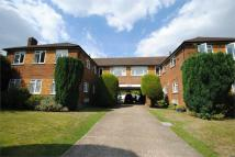 2 bed Flat to rent in Friern Park...