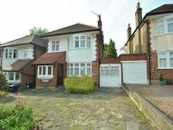 Link Detached House to rent in Longland Drive...