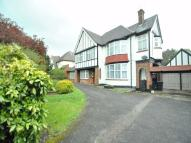 Detached property to rent in Buckingham Avenue...
