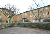 1 bed Apartment in Greenway Close...