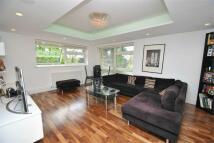 2 bedroom Flat to rent in Friern Barnet Lane...