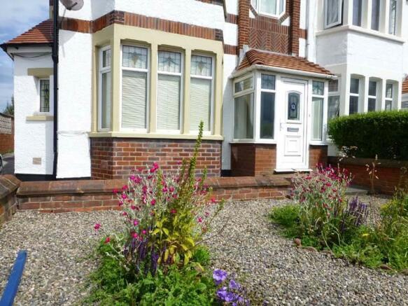 Entrance & Front Garden