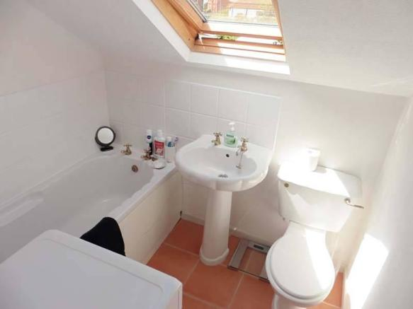 First Floor Ensuite Bathroom
