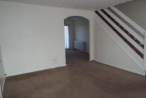 3 bed house to rent in Petersfield Close...