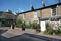 Terraced house to rent in Eden Street, Cambridge