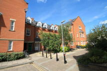 4 bedroom Town House to rent in Ravensworth Gardens...