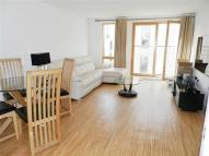 Flat to rent in Wingate Square, Clapham