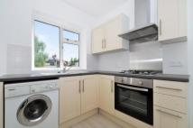Flat to rent in Trinity Road,  Tooting...