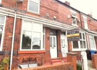 2 bed Terraced house in Dona Street, Stockport