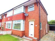 3 bedroom semi detached property to rent in Welwyn Close, Urmston