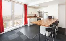 Flat to rent in North End Road, Wembley...