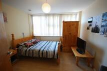 3 bedroom Flat to rent in Peacock Lane...