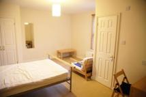 1 bed Studio flat in Victoria Road, Swindon...