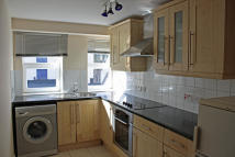 Apartment to rent in Victoria Road, Swindon...