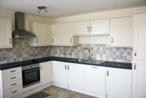 3 bed Apartment to rent in Clarence Street, Swindon...