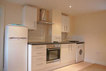 1 bed Ground Flat to rent in Vicarage View...