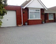 Detached Bungalow in Drove Road, Swindon, SN1