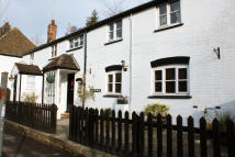 4 bedroom semi detached house in Strouds Hill, Chiseldon...