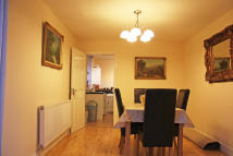 4 bed Town House in Faringdon Road, Swindon...