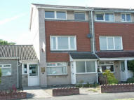 3 bed Maisonette in Castle Court...