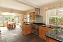 5 bedroom Terraced home to rent in Balham Park Road, London...