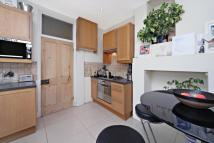 2 bed Apartment in Brenda Road, London, SW17