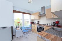 Apartment to rent in Beechcroft Road, London...