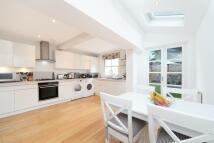 4 bedroom Terraced property for sale in Beechcroft Road, London...