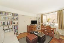 1 bed Apartment to rent in Hendham Road, London...