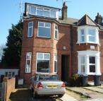 semi detached house to rent in Beaconsfield Road...