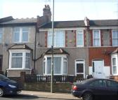 3 bedroom Terraced home in Brunswick Park Road...