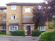 Flat to rent in Greenway Close, London...
