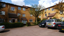 1 bed Flat to rent in Greenway Close, London...