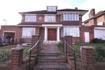 6 bedroom house to rent in The Ridings, London, W5